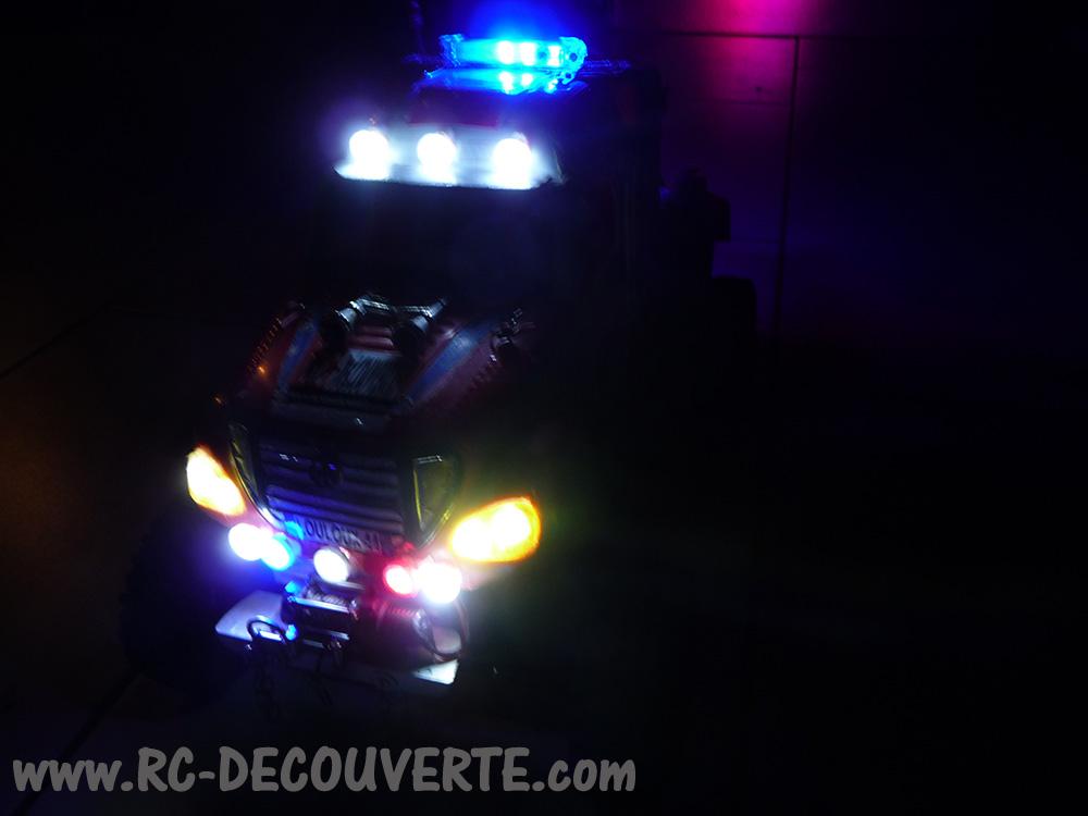 Mon camion de pompier SCFX RC Scale 1/10 Gyro-211