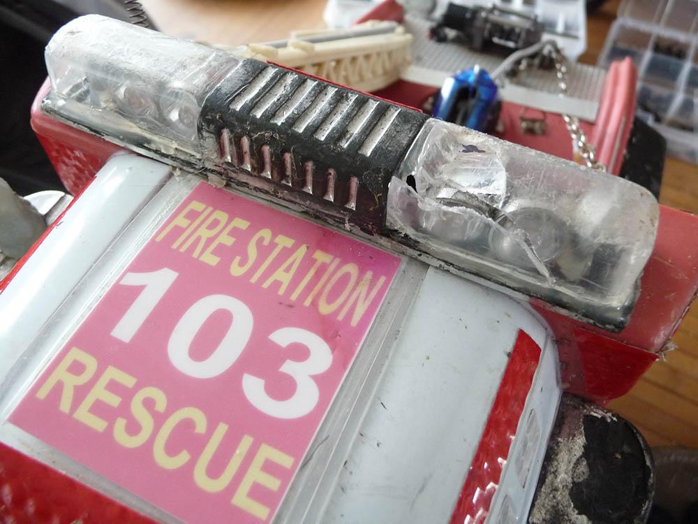 Mon camion de pompier SCFX RC Scale 1/10 Gyro-c10