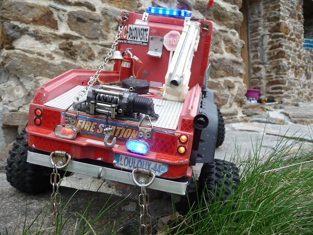 Mon camion de pompier SCFX RC Scale 1/10 Gyro-c12