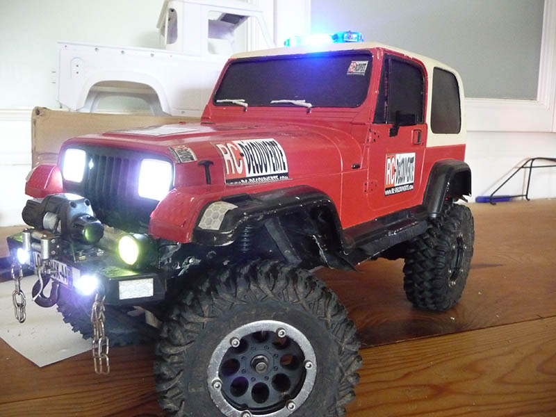Montage MST CMX Kit : Jeep & Hummer - Page 11 Jeep-p11