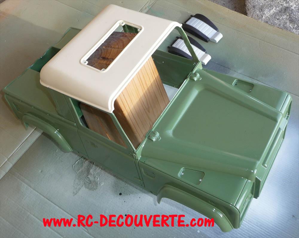 Fabrication Land Rover Pickup Defender D90 pour Léo - Page 5 Peintu14
