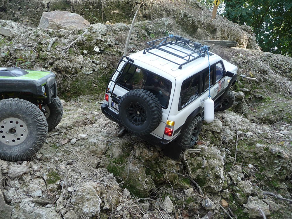 Toyota LC80 HDJ80 sur chassis Scx10 - Page 5 Toyot108