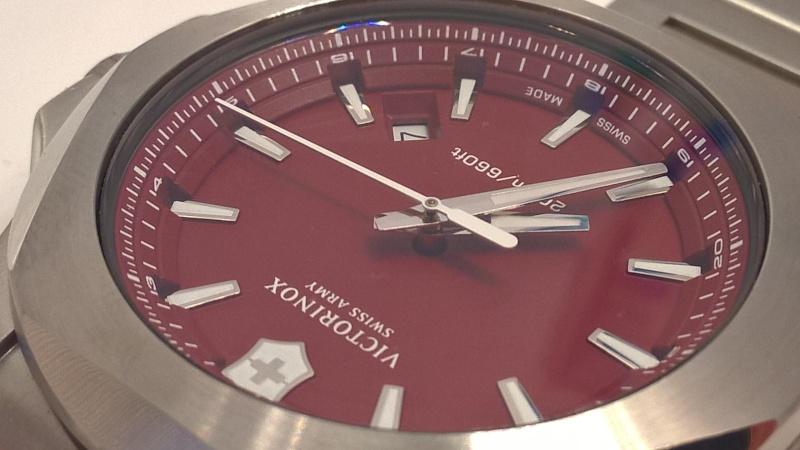 victorinox - [Revue] Victorinox Inox rouge sur acier Image25