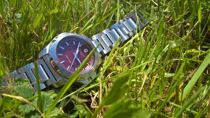 victorinox - [Revue] Victorinox Inox rouge sur acier Image35