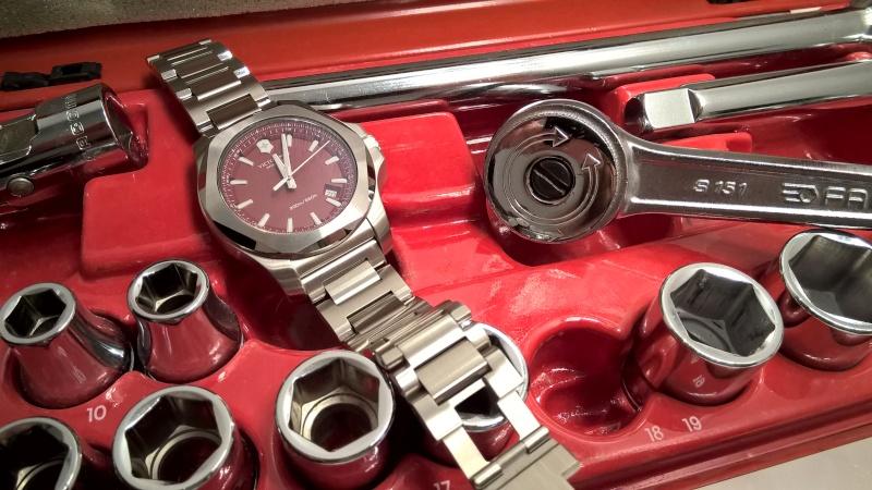 victorinox - [Revue] Victorinox Inox rouge sur acier Image36