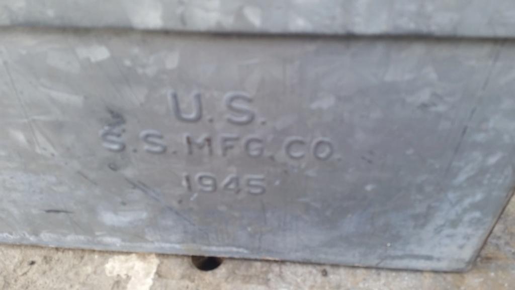 caisse de clops US WW2 et caisse à outils 1945 en acier zingué  20190521