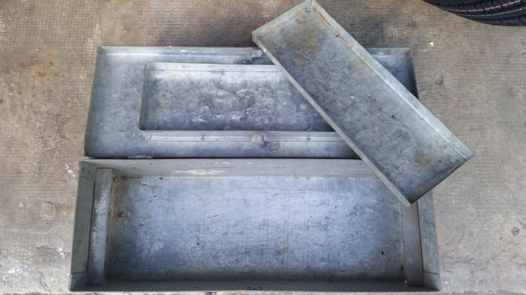 caisse de clops US WW2 et caisse à outils 1945 en acier zingué  20190524