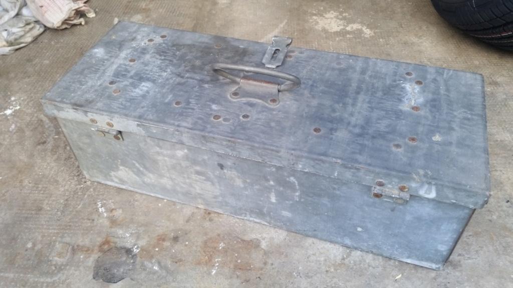 caisse de clops US WW2 et caisse à outils 1945 en acier zingué  20190525