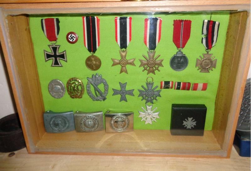Vitrine pour mes décorations Dsc00015