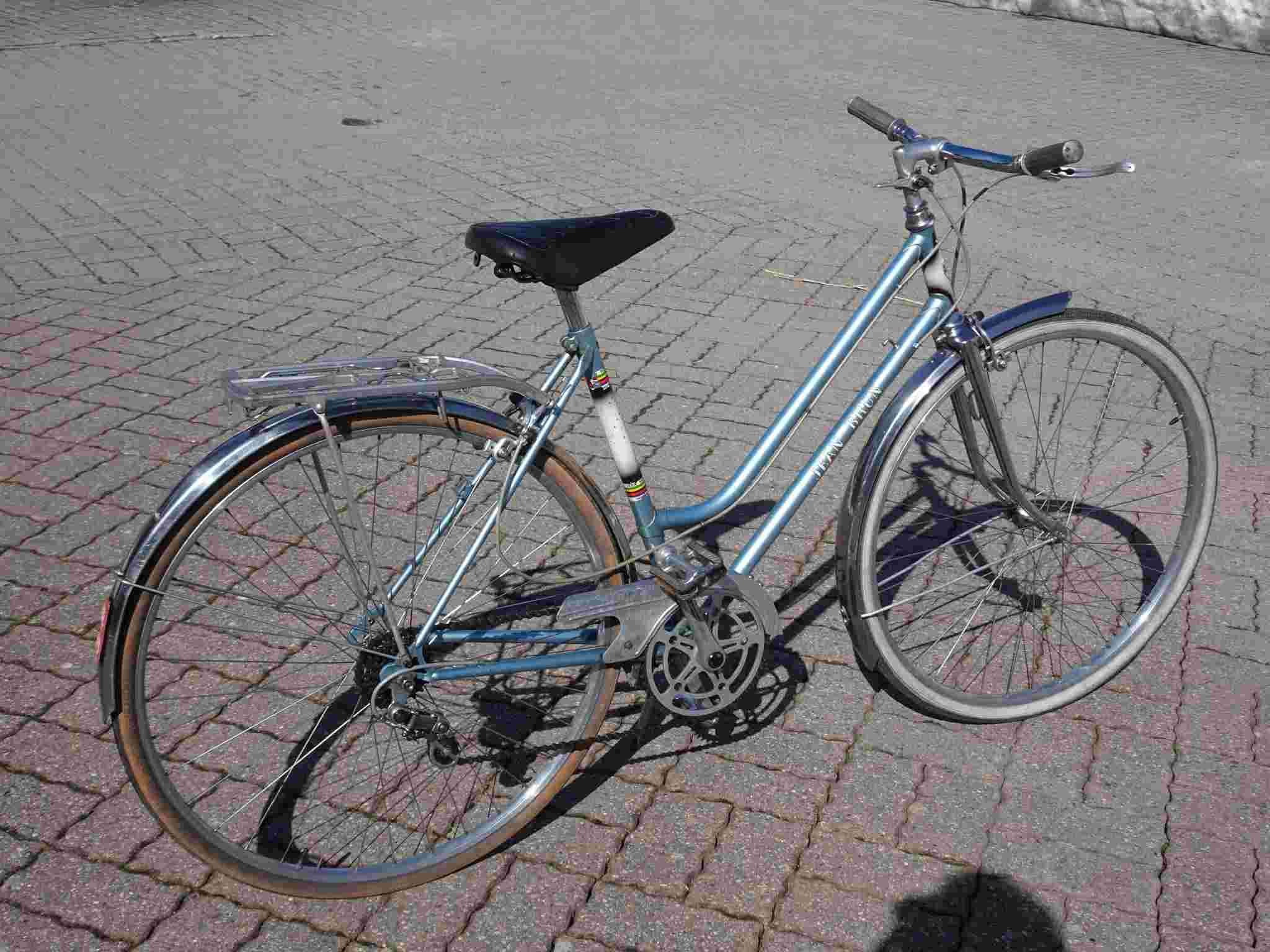 Un Jean Brun ... bleu ! Dsc00118