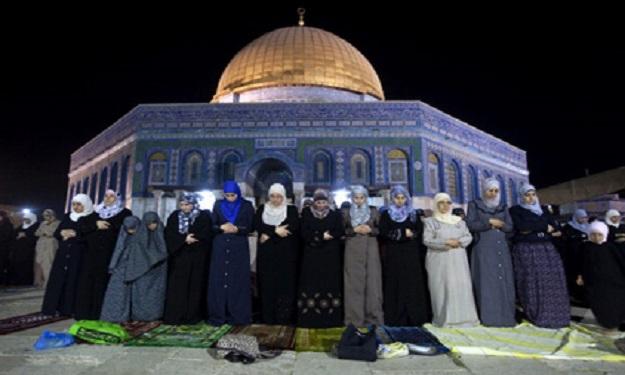 أخطاء تقع بها المرأة عند خروجها لصلاة التراويح في المسجد 339