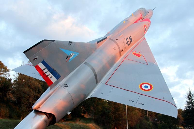DASSAULT MIRAGE III R ou C 1/50ème Réf L511  - Page 2 Mirage15