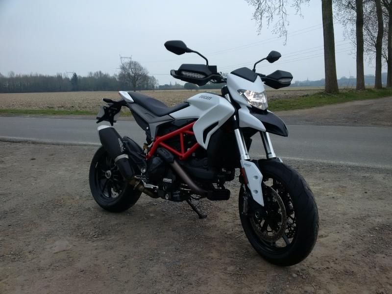 Quand Ratus teste des motos - Page 6 Img_2010