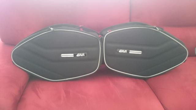 Vente de sacoche cavalière GIVI EA 101 (19 / 25 litres) Dsc_0357