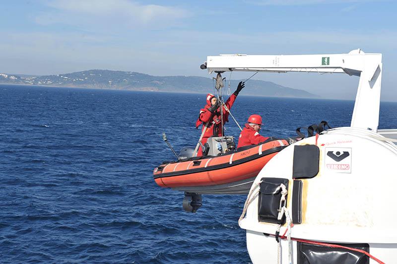 Sauvetage maritime au Maroc / service de recherche et de sauvetage  - Page 2 Compag15
