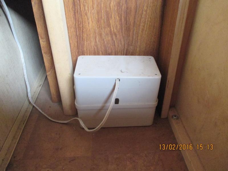 Pompe à eau non alimentée ? Famel110