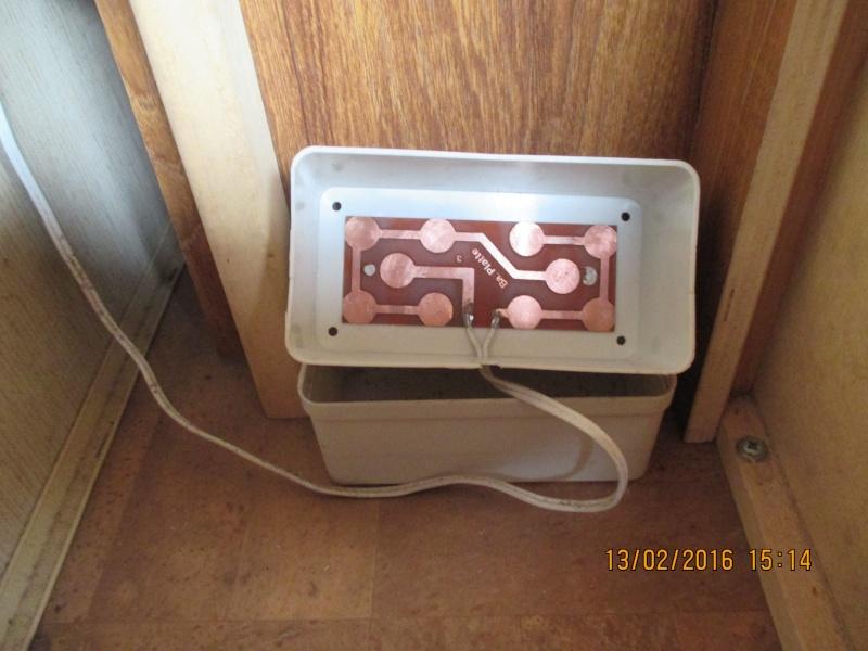 Pompe à eau non alimentée ? Famel111