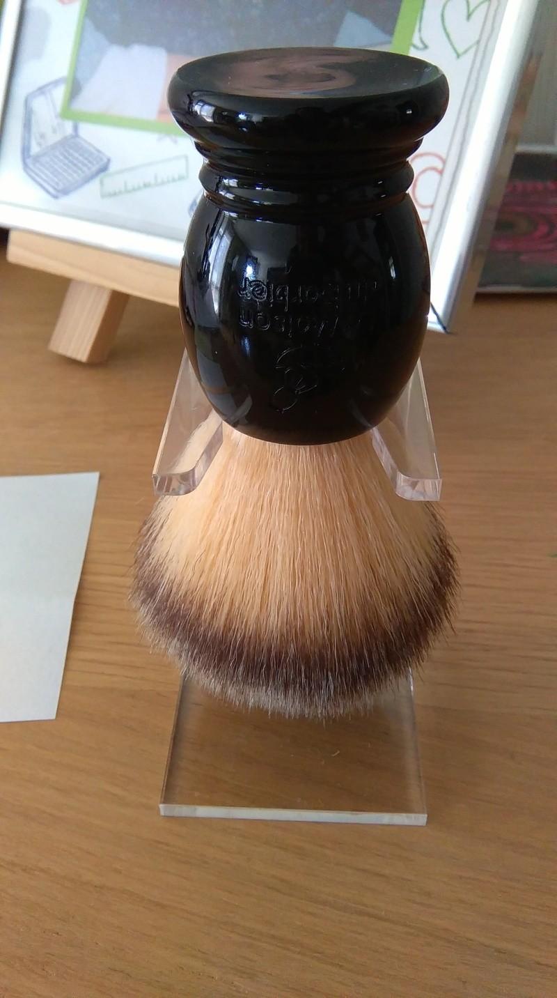 Blaireau synthétique Maison du Barbier Imag0214