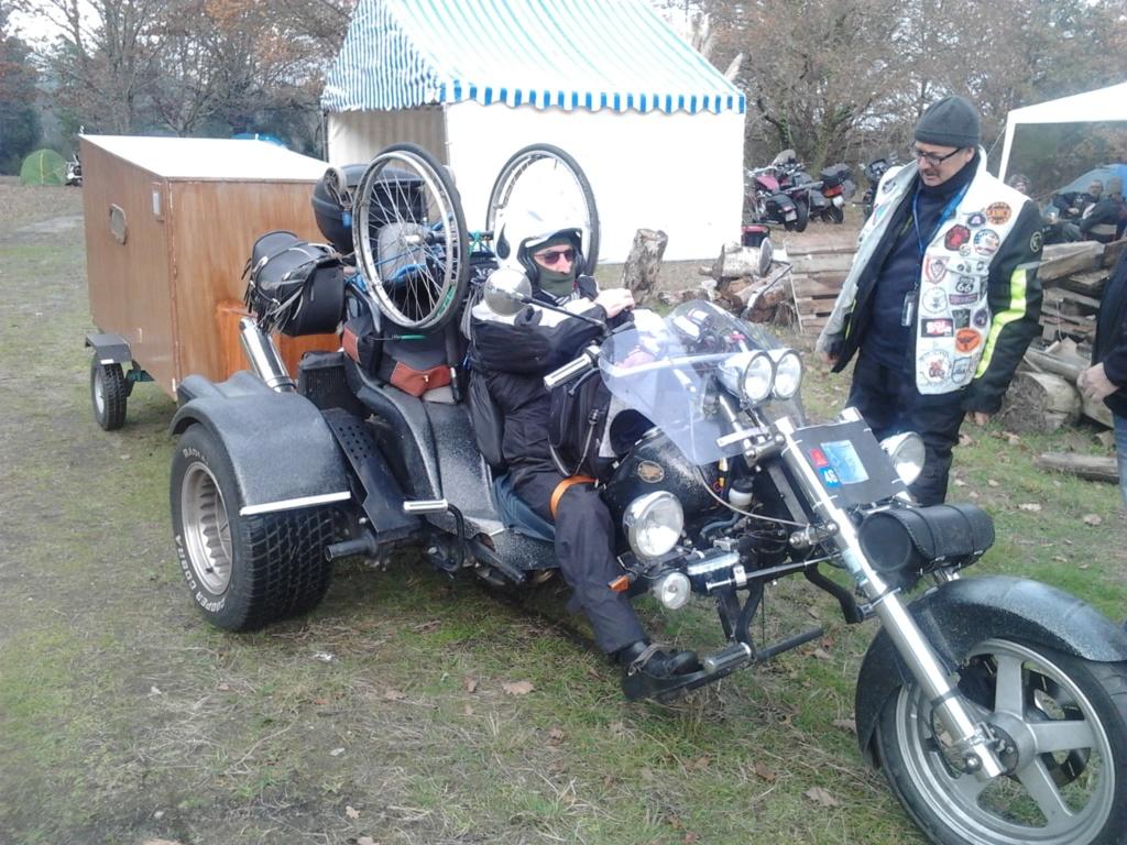 Un side-car a-t-il le droit de tirer une remorque ? Photo362