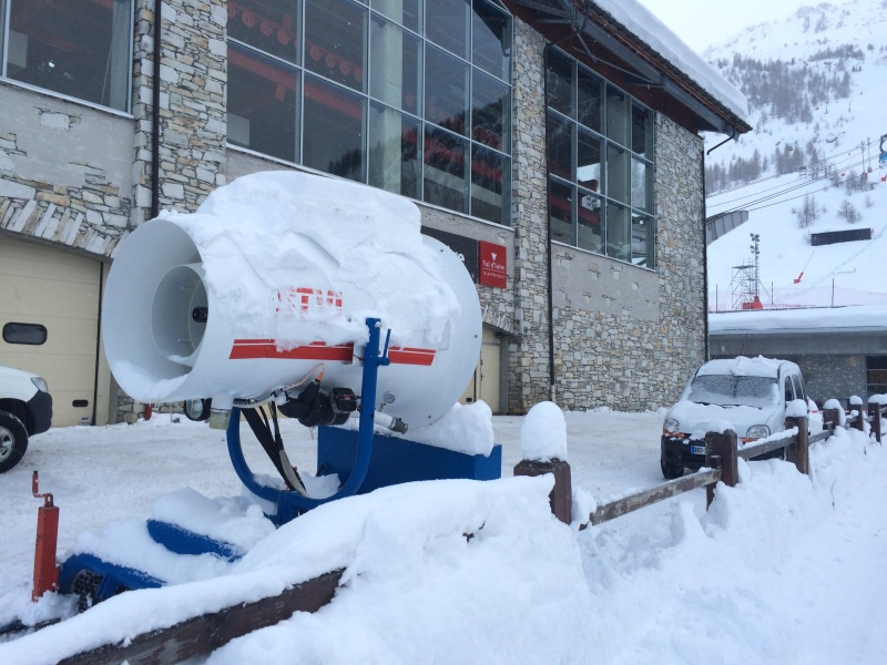Enneigement artificiel Val d'Isère Img_2511
