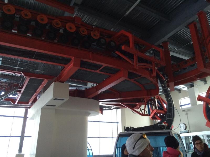 Téléphérique 3S tricâble débrayable 30 places (TPH 30) de l'Olympique Img_2618