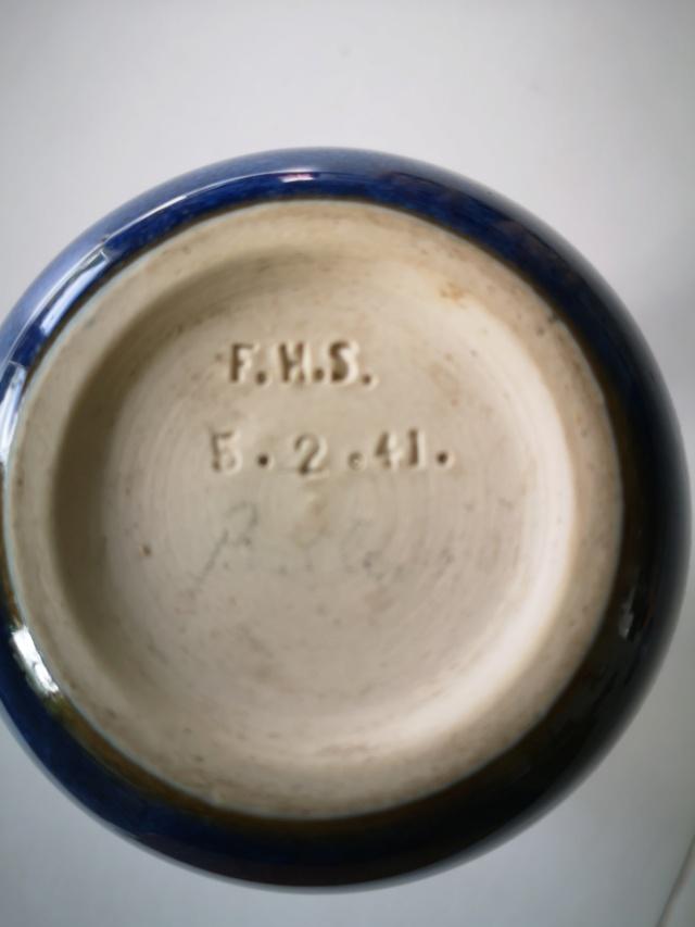 Heavy, gloss glazed bud vase with FHS mark Img_2022