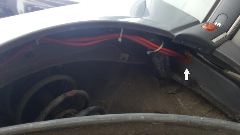 [TUTO] Passage de fils 12v de la batterie au coffre safrane ph2 2310