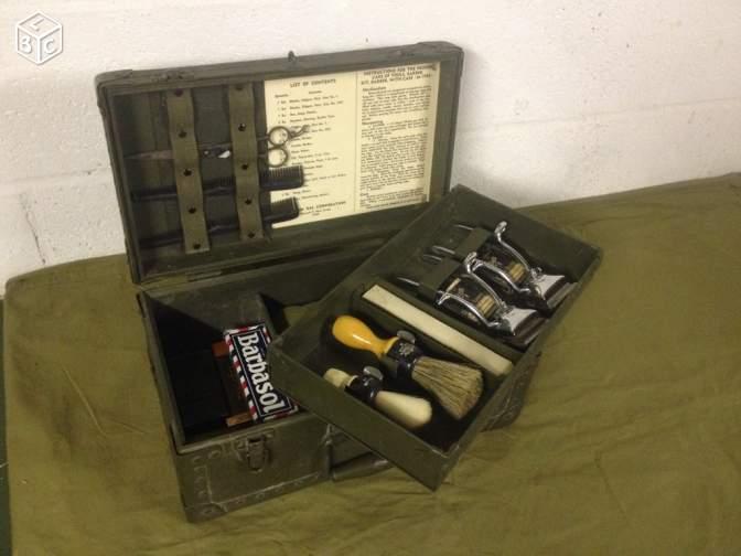 Nécessaire de coiffeur militaire 1950/1980 D330d110