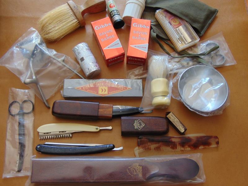 Nécessaire de coiffeur militaire 1950/1980 Dsc04114