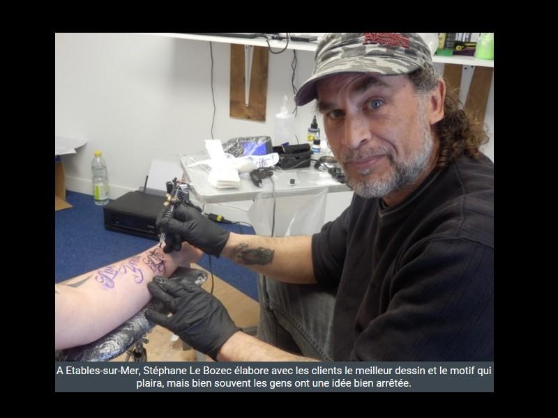 Un tatoueur au coeur du bourg  Étables-sur-Mer Sans_412