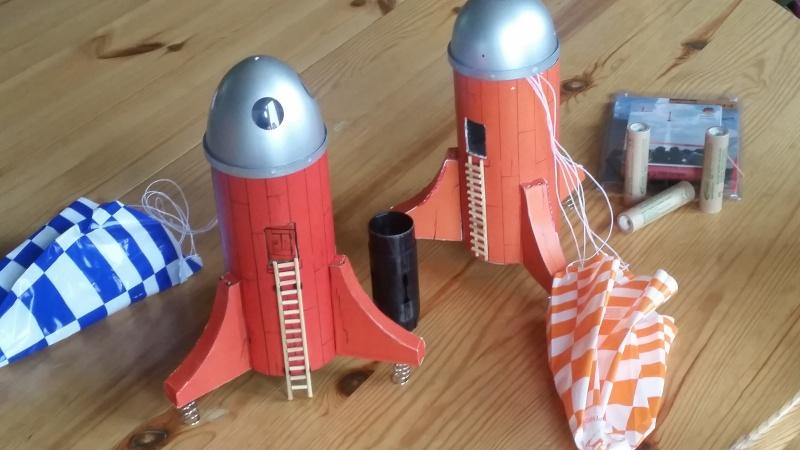 fusée - Fusée Cosmoschtroumpf dans les airs Fusee211