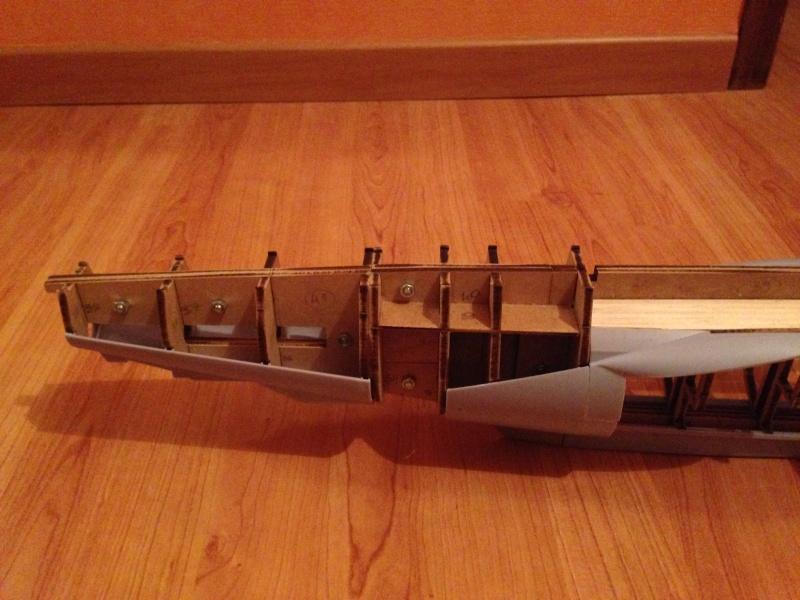 Construction du sous-marin U-96 - Page 2 Img_5423