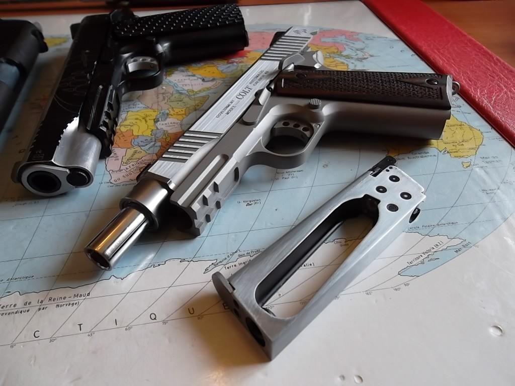 un Colt 45 bbs à partit d'un airsoft... Sam_2226