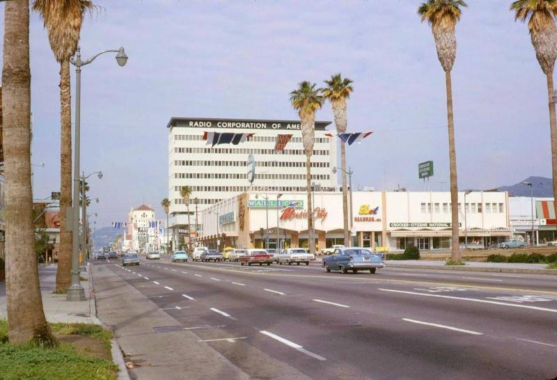 Architectures de banques et bureaux vintages - 1950's & 1960's Office & Bank  11154910