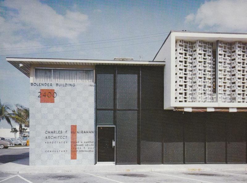 Architectures de banques et bureaux vintages - 1950's & 1960's Office & Bank  12440210