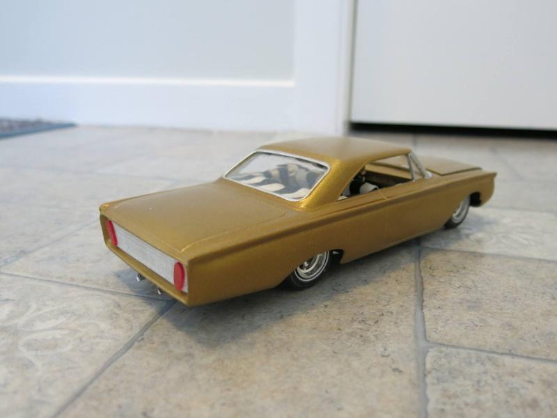 Vintage built automobile model kit survivor - Hot rod et Custom car maquettes montées anciennes - Page 4 12719410