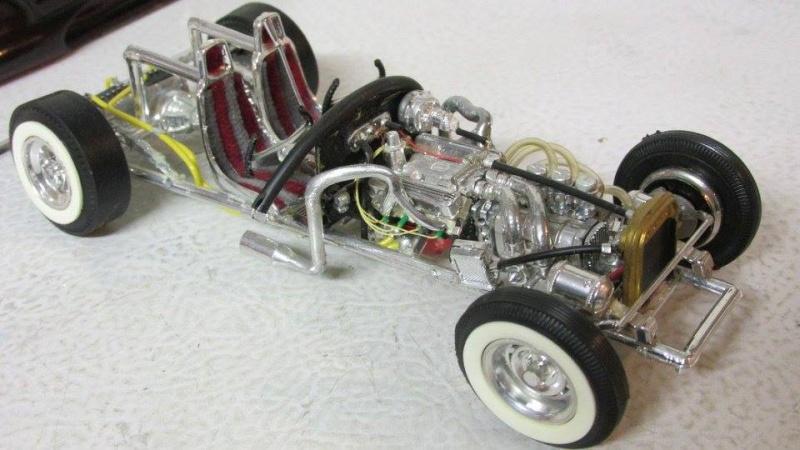 Vintage built automobile model kit survivor - Hot rod et Custom car maquettes montées anciennes - Page 4 12936411