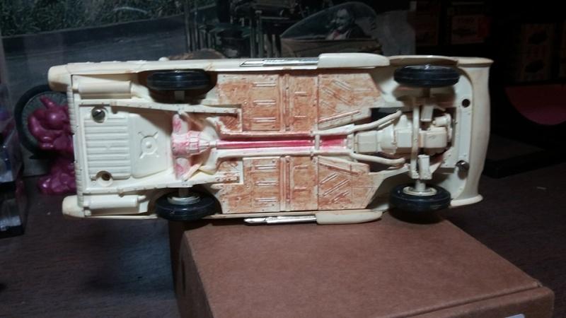 Vintage built automobile model kit survivor - Hot rod et Custom car maquettes montées anciennes - Page 5 13096110