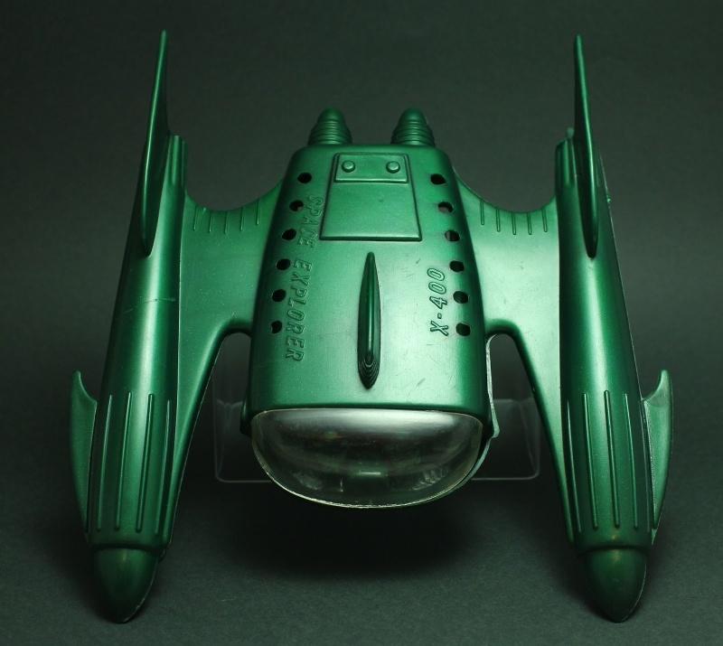 Jouets Spaciaux - Sci-Fi Toys - Page 2 2011-013