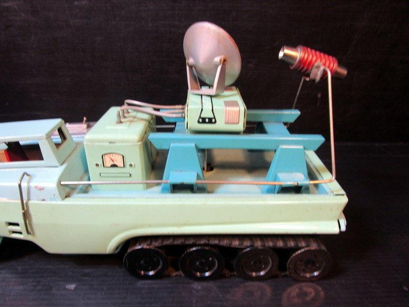 Jouets Spaciaux - Sci-Fi Toys 359
