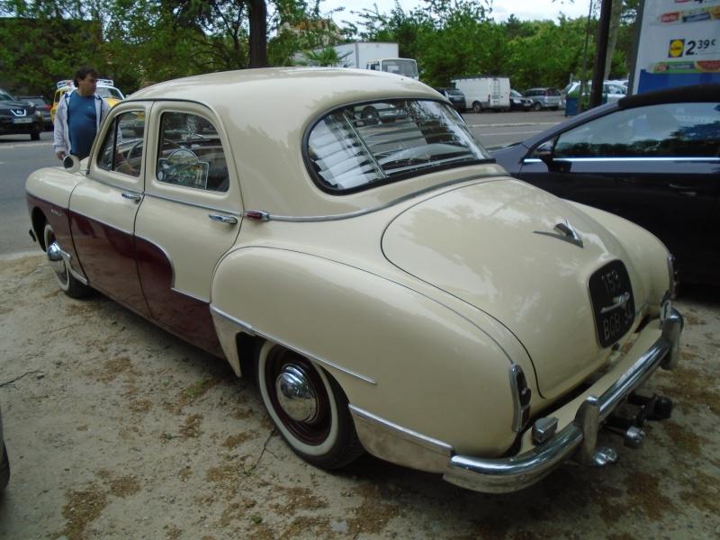 Renaults Frégate et voitures anciennes à Nerac (47) Dsc02114