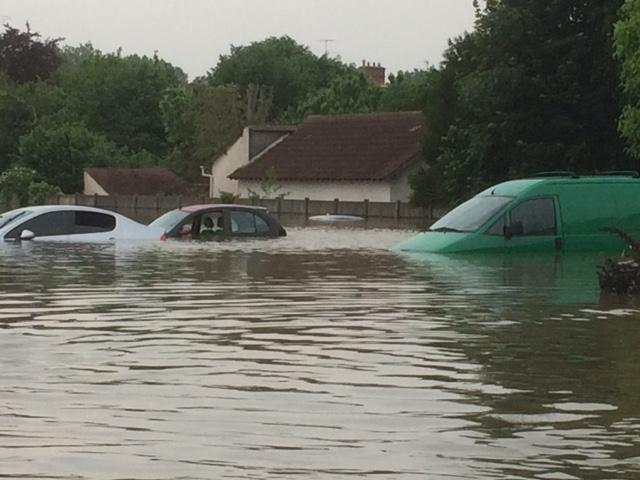 Inondation.... Img_2911