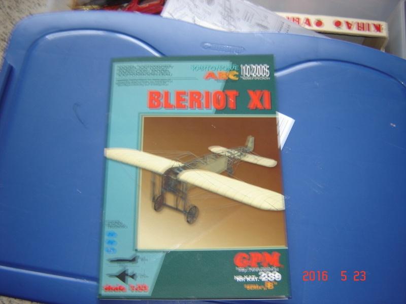 Blériot XI en carton Dsc09510