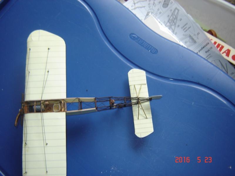 Blériot XI en carton Dsc09515