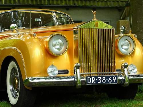 Les voitures de Zsa Zsa GABOR Amk-0010