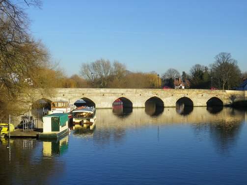 Le pont, incontournable du paysage routier Autb_h10