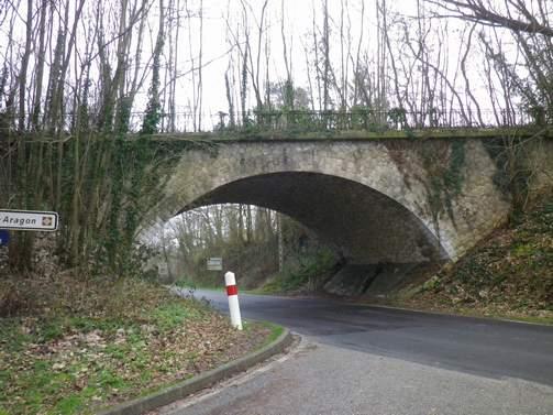 Le pont, incontournable du paysage routier Fyvr1610