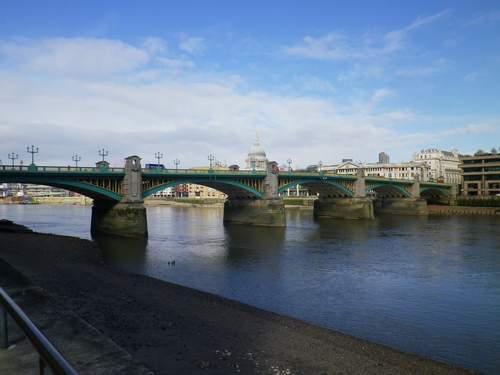 Le pont, incontournable du paysage routier Rrsfyv10