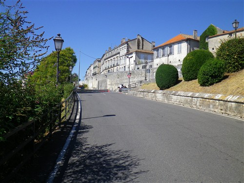 Le Circuit des Remparts d'Angoulême Ta12_010