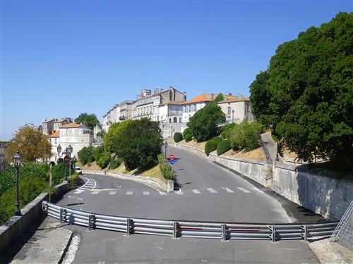 Le Circuit des Remparts d'Angoulême Ta12_012